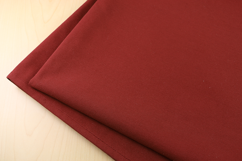 52 X 52 ROYAL CREST 100%  POLYESTER TABLE TOPS - MAROON - CARTON PACKED 5DZ